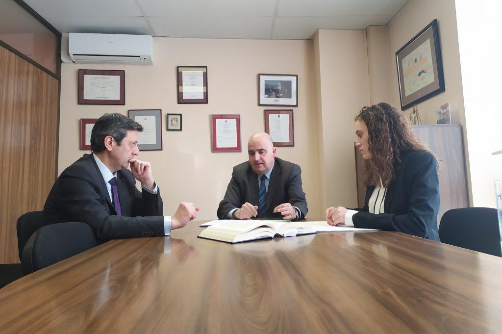 imagen socios en el despacho senior-iuris